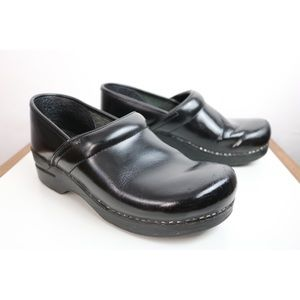 DANSKO Black Leather Clogs Professional Narrow 40